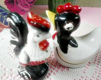 Vintage Salt & Pepper Shaker Set, Rooster and Hen Porcelain Shakers, Handpainted Chicken Set. Table Ware, Serving Ware