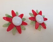 vintage floral earrings red, green and white flower power retro chic Christmas ready