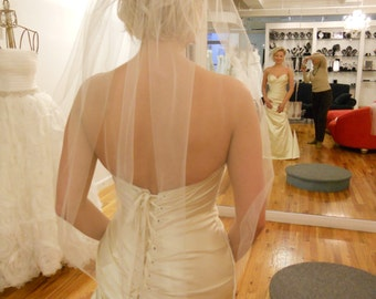 Plain wrist length veil