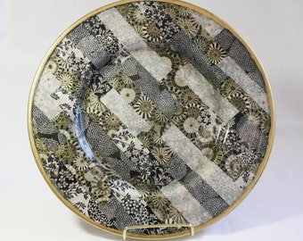 Asian Style Decoupaged Glass Platter: Dramatic Contrast