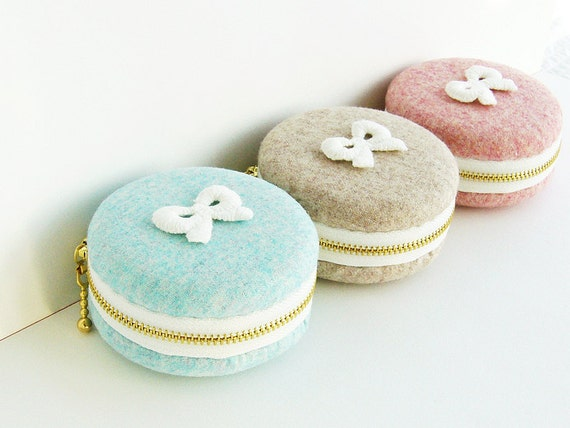 Woollen fabrics/macaron coin purse/ bow lace/macaroon box or Jewelry pouch