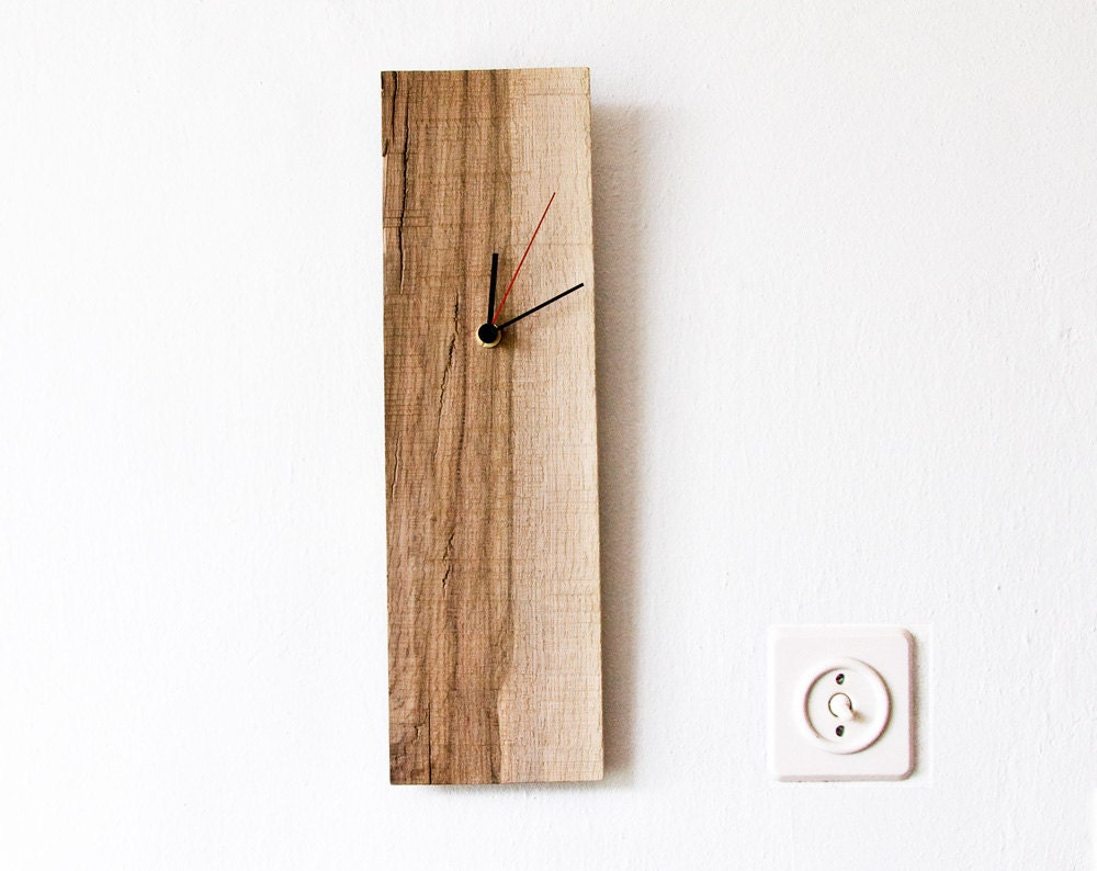 details simple and modern wood wall clock