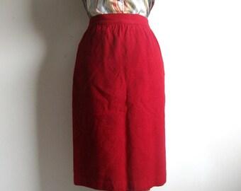 Vintage 1970s London Fog 1970s Red Wool Straight Skirt 5-6
