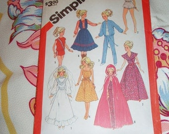 """Vintage 1983 Simplicity Pattern 6363 for Barbie Doll Wardrobe, 11 1/2"""" and 12 1/2"""" Doll"""