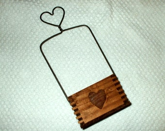 Box Hanging Wire & Wood Heart Vintage Rustic Wooden Shabby Basket Hanging Decor