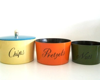 Vintage Stackable Snack Bowls