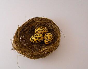 Leopard Eggs Nest Art/Home and Garden Decor, Miniature