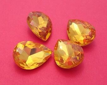 2pcs- Vintage Glass Jewels Gold Topaz Pear Teardrop 18x13mm