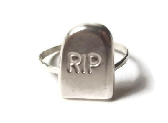 Silver Tombstone Ring, RIP, Spooky Ring, Sterling Silver Ring, Handforged Ring, Halloween Ring, Halloween Jewelry,