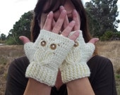 It's a Hoot Owl Texting Gloves, a fingerless crochet mitt PATTERN.