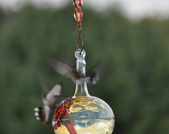SH1+- The Kennedy Style Hummingbird Feeder w/ Decorative Hanger, The Original One Piece Drip-less Hummingbird Feeder/Silver Hobnail