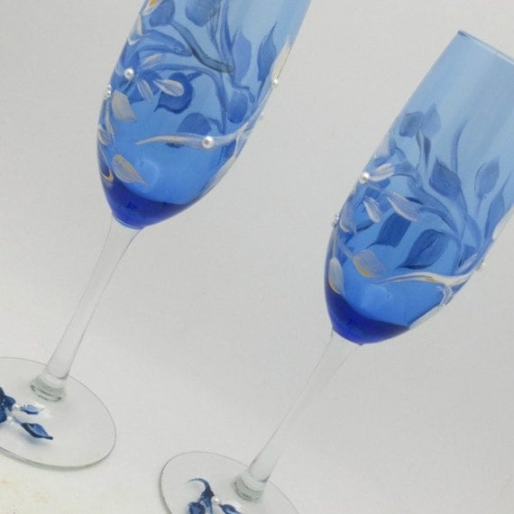 Hand Painted Wine Glasses - Champagne Cobalt Blue Flutes - Windswept White and gold tipped leaves -  with white faux pearls - Wedding