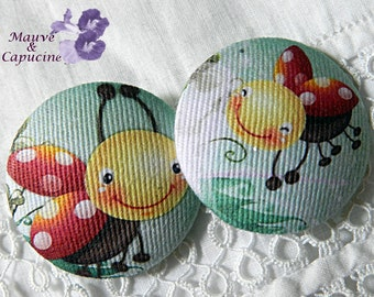 2 fabric buttons,  printed ladybirds, 0.78 in /20 mm