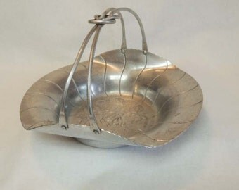 Vintage World Hand Forged ALUMINUM WEDDING BASKET.. Love Knot Knotted Handle