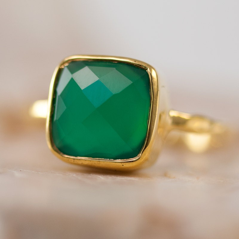 green onyx ring square gold green stone ring gold ring. Black Bedroom Furniture Sets. Home Design Ideas