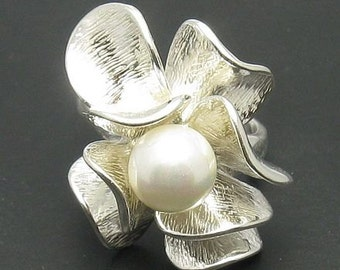 R000682 Sterling Silver Ring Solid 925 Flower Pearl