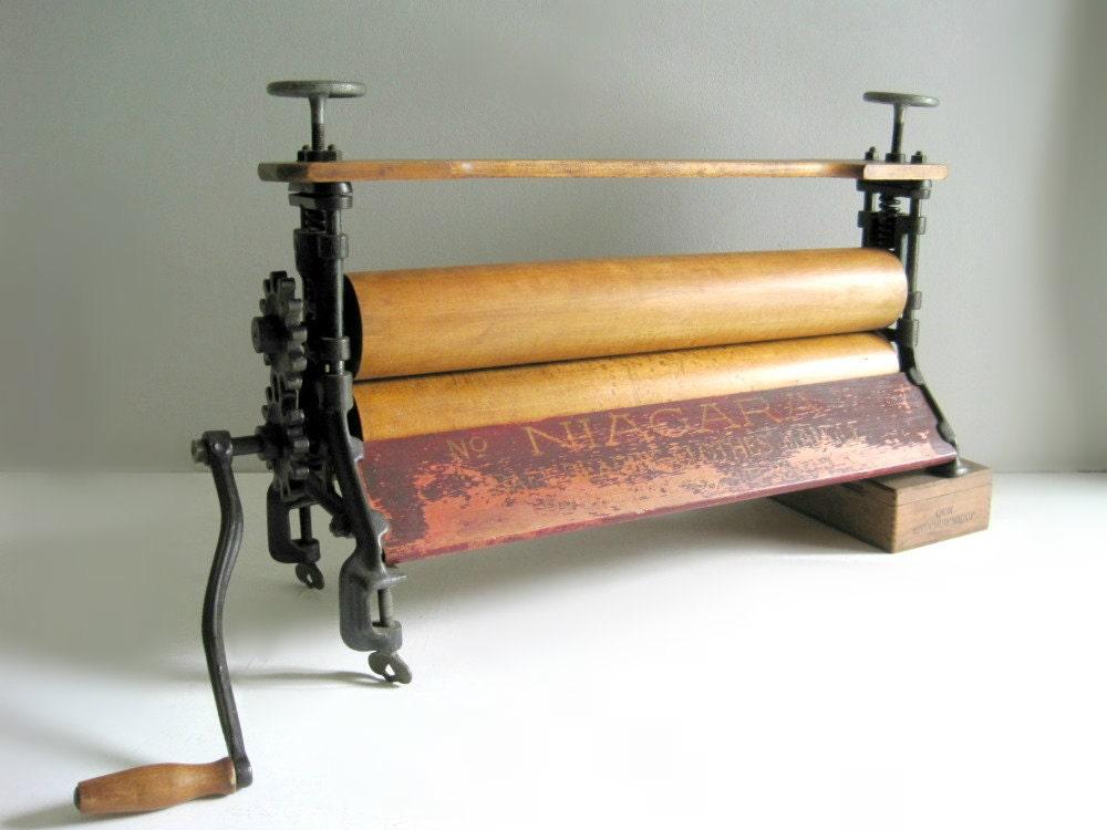 Antique Laundry Clothes Mangle Wringer Press Farmhouse