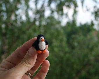 Felt  penguin, super tiny, felted penguin , felt toy, soft sculpture, felt animal, pet miniature, natural toy