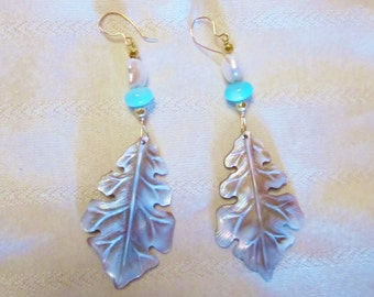 Carved Shell Peruvian Amazonite Freshwater Pearl 18K Gold Bead Earrings