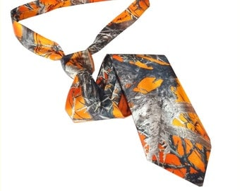 Camo tie. True Timber blaze orange satin camouflage necktie