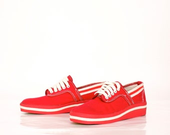 Vintage Canvas Vegan Sneakers in Red and White