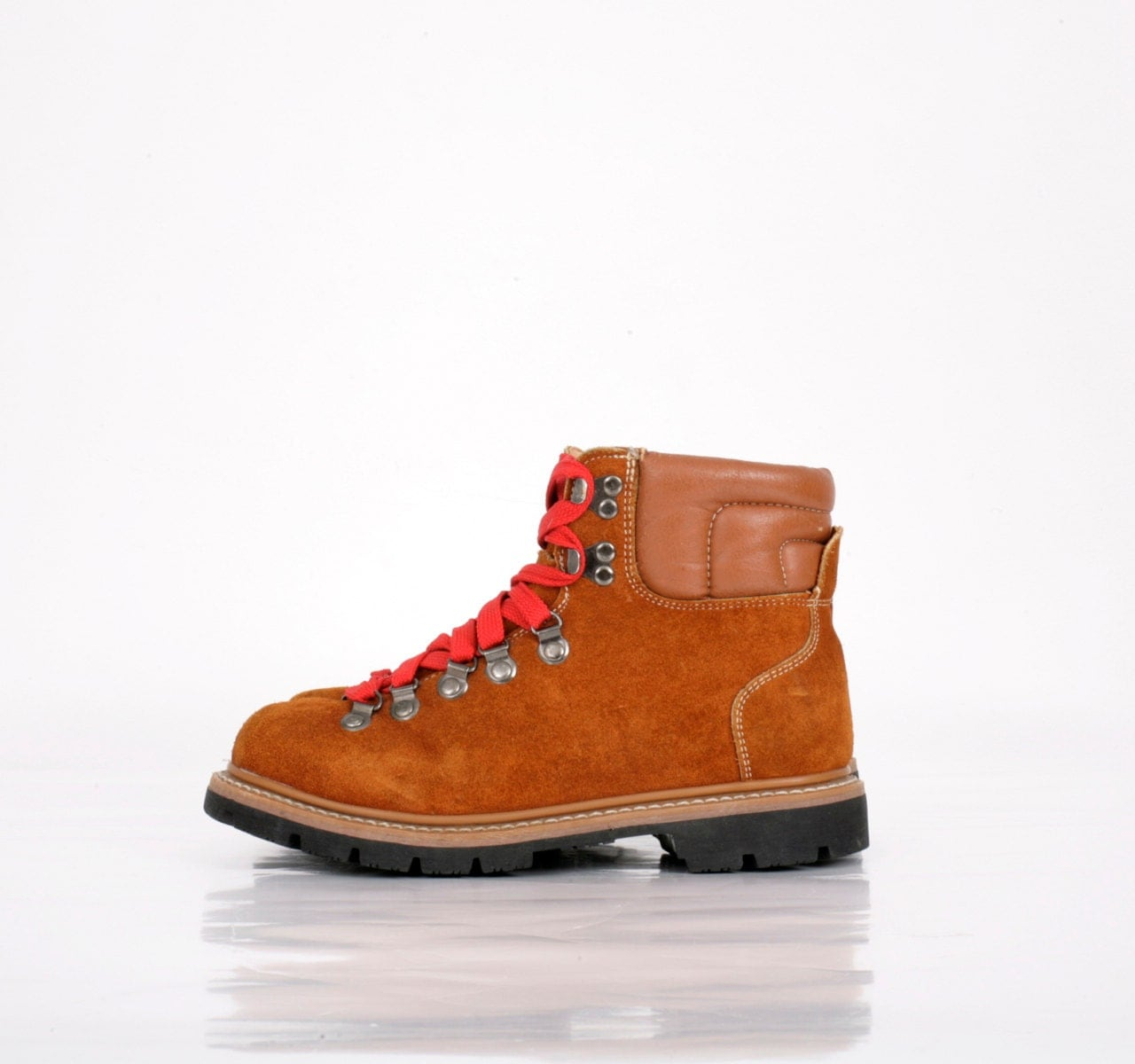 Model But Danner Can Thank Wild Director JeanMarc Vallee For Its Modernyetretro Boots Landing A Role In The Movie Vallee