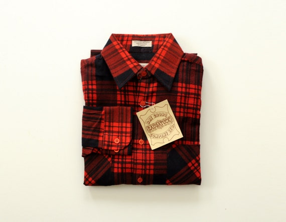 Red and black plaid flannel shirt saugatuck dry goods nos 100 for Athletic cut flannel shirts