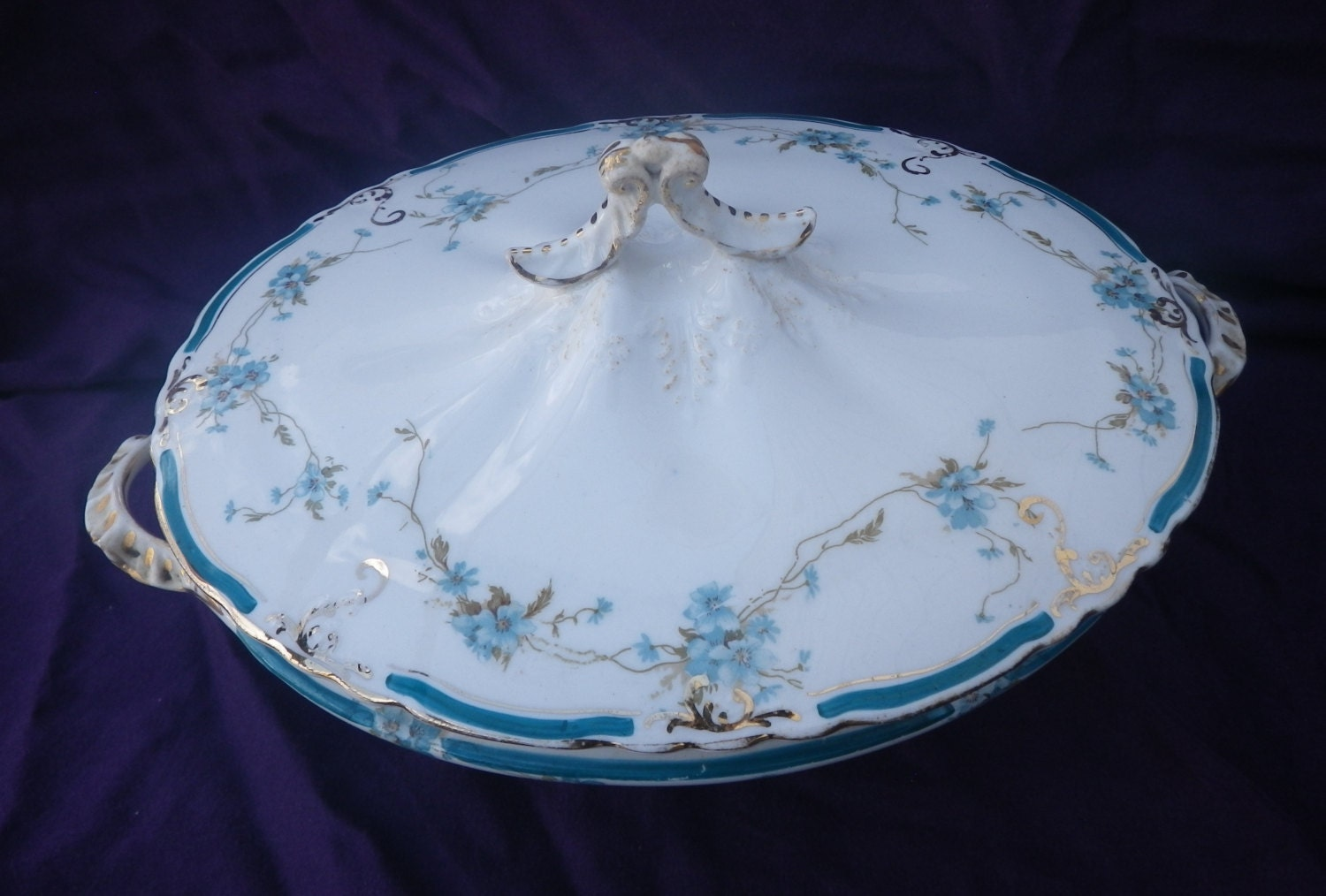 Sunday Historical Historic Guest House Dinnerware Service