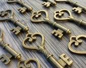 Wholesale Lot 150pcs Steampunk Victorian wholesale antique bronze skeleton key pendant charm necklace Alice in Wonderland 114  jewelry