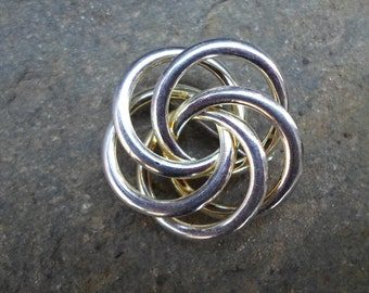 Vintage 1960s Gold Tone Swirl Circle Pin Round Brooch Eternity Simple Plain