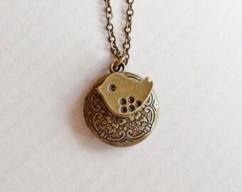 Lovely Bird Locket Necklace,Petite Round Locket,Floral Locket,Bird Locket Jewelry,Keepsake,Whimsical Woodland,Memoir Necklace,Baby Sparrow