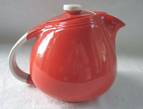 1940 S Halls China Teapot Red White 6 Cup Sani Grid By