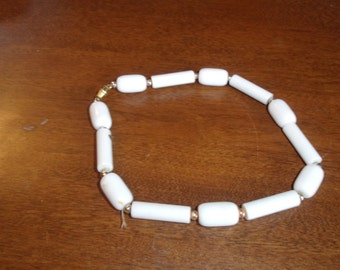 vintage necklace choker white beads