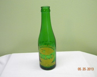 Vintage pop bottle Quench 1946, green bottles collectibles