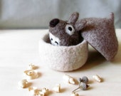 Free Shipping - Felted acorn / Needle felted mouse / eco friendly toy /  felt play set / cute toy