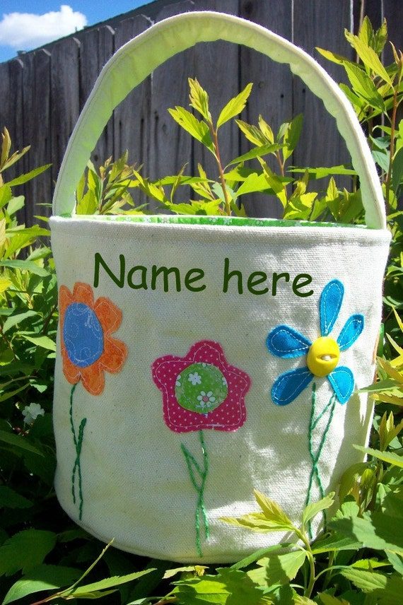 All HANDMADE Personalized Easter Basket in  Spring Flowers and Green Floral Lining/ Easter Basket with Name/ Girl Easter Basket