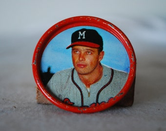 1962 Salada Coin of Eddie Mattews No. 28 of the Milwaukee Braves