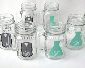 Mason Jar Groomsman glasses, Bridesmaids glasses.  Wedding party mason jars with mint and gray. Maid of honor gift idea, Best man gift idea