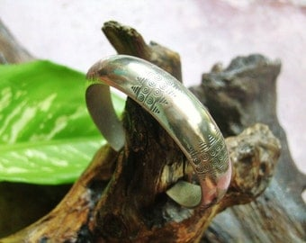 Karen Thai Bracelet - The Embossed Bracelet
