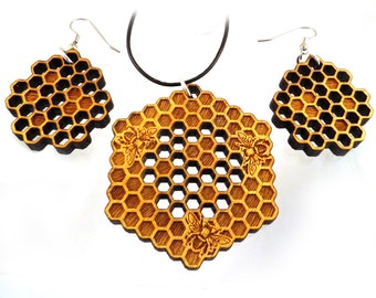 Honeycomb Yellowheart Necklace and Earring Set - Wooden Bee Pendant and Earrings