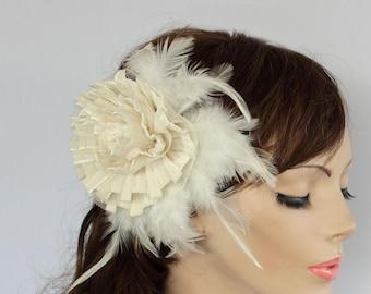 Ivory Bridal Fascinator, Feathery Velvet Bridal Headpiece, 1920s Bridal Barrette Hair Piece Art Deco Glam Fall Winter Wedding Handmade