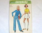1970s Vintage Sewing Pattern Young Junior Teen Shirt Pants Skorts Pantskirt Size 7/8 Simplicity 8759