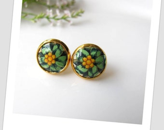 Green Papaya Paper Studs Earrings