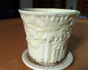 small yellow mcccoy flower pot