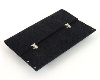 MacBook 13 Air case sleeve black felt briefcase cover handmade by SleeWay