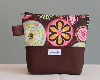 Reusable sandwich bag, reusable snack bag, ecofriendly, zipper, nylon lined, back to school - carnival brown