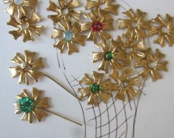 25 Pretty Little Brass Flowers