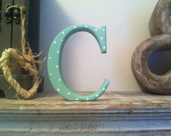 freestanding wooden letter c 25cm georgia style font various colours finishes