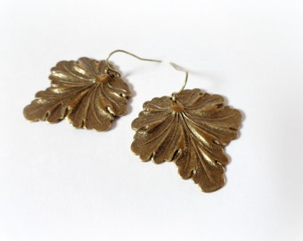 Vitis leaves - Woodland leaf earrings fall autumn jewelry brass charms  tree branch leafy brown dangles Nature lover gift for her