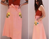vintage 70s wrap skirt  /  high waisted peach cotton psychedelic mushroom patch knee length 1970s skirt  /  small s medium m
